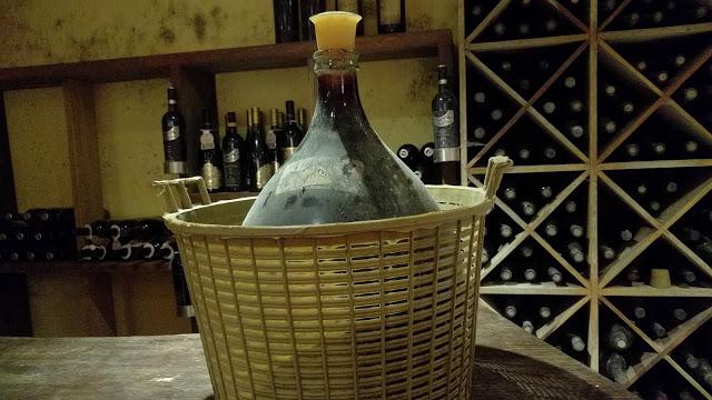 בקבוק יין עתיק
