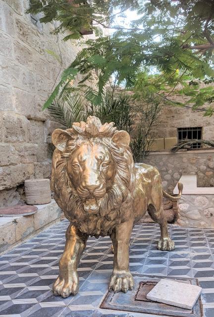 האריה הקדוש שליווה את הנזיר