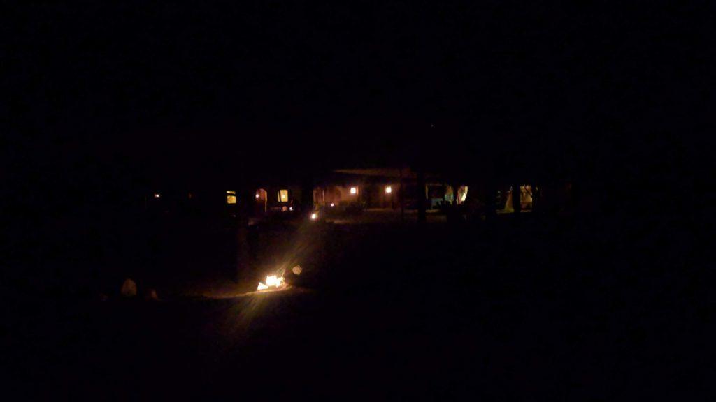 מתחם חאן באורתיים בלילה