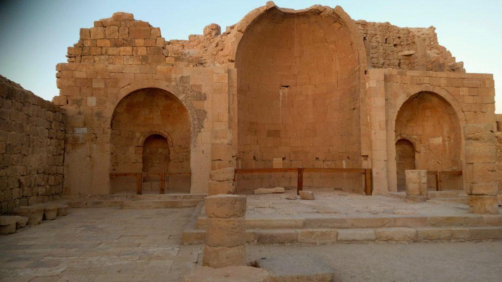 מה עושים בנגב - שבטה הכנסיה העתיקה