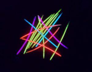 משחקים של אור בחושך עם סיקלייט